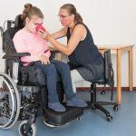 Добавката от 100 лева ще може да се ползва и от асистентите на хората с увреждания