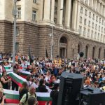 Бисер Петков за протестите на родители: Подклажда се страх срещу нещо, което го няма